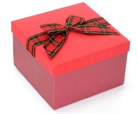 China Christmas Paper Gift Boxes With Ribbon Bow , Red Color Gift Packing Box supplier