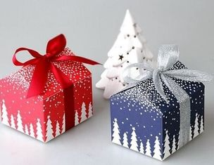 China Customized Food Christmas Packaging Boxes White Card Paper With Ribbon supplier
