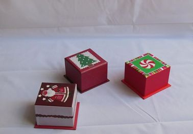 Poplur Christmas Paper Gift Boxes , Red Color Gift Packing Box